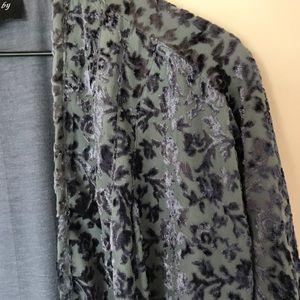 Anthropologie Sweaters - Anthropologie Feathers by Tolani Velvet Kimono